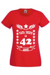 Tricou dama personalizat Fruit of the loom rosu Viata incepe la 42 ani M Tricouri dama