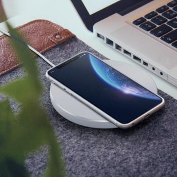 Statie de incarcare fara fir/Incarcator wireless Delight microUSB super-slim culoare alb putere iesire 1 5 A protectie incorporata la Lacate