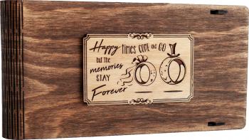 Cutie din lemn pentru stick USB + loc fotografii VintageBox personalizata prin gravare model Verighete vesele - Nuc inchis