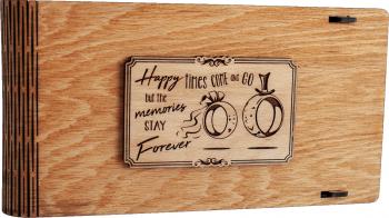 Cutie din lemn pentru stick USB + loc fotografii VintageBox personalizata prin gravare model Verighete vesele - Stejar Auriu Cutii depozitare