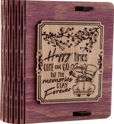 Cutie mica din lemn pentru stick USB VintageBox personalizata prin gravare model Pe drum impreuna culoare Roz