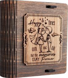 Cutie mica din lemn pentru stick USB VintageBox personalizata prin gravare model Tineri casatoriti culoare Gri