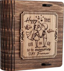 Cutie mica din lemn pentru stick USB VintageBox personalizata prin gravare model Tineri casatoriti culoare Nuc inchis