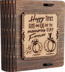 Cutie mica din lemn pentru stick USB VintageBox personalizata prin gravare model Verighete vesele culoare Gri