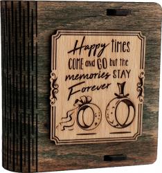 Cutie mica din lemn pentru stick USB VintageBox personalizata prin gravare model Verighete vesele culoare Verde