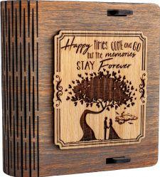 Cutie mica din lemn pentru stick USB VintageBox personalizata prin gravare model Doi sub un copac culoare gri