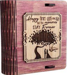 Cutie mica din lemn pentru stick USB VintageBox personalizata prin gravare model Doi sub un copac culoare roz