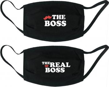 Set 2 masti de protectie pentru cuplu reutilizabile din material textil cu imprimeu and bdquo The Boss and The Real Boss and rdquo negre Masti chirurgicale si reutilizabile