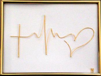 Tablou Credinta-Speranta-Iubire sculptura in fir continuu non-tarnish auriu de 1mm rama aurie 20x15 cm fundal alb Tablouri