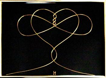 Tablou Infinite Love sculptura in fir continuu non-tarnish auriu de 1 mm rama aurie 20x15 cm fundal negru Tablouri