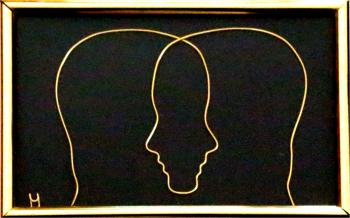 Tablou Zodia Gemeni sculptura in fir continuu non-tarnish auriu de 1 mm rama aurie 15x10 cm fundal negru Tablouri