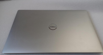 Dell XPS 15 7590 UHD i9-9980HK 8-Cores 32GB Nvidia GTX 1650 1TB SSD Windows 10