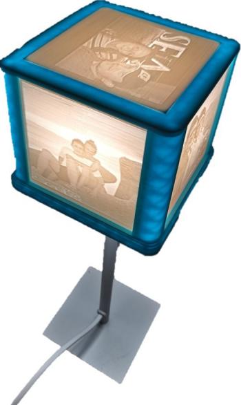 Veioza cub cu ceas si cu poze printate 3D in relief cu mesaje personalizate multicolor 110 x 110 x 350 mm Corpuri de iluminat