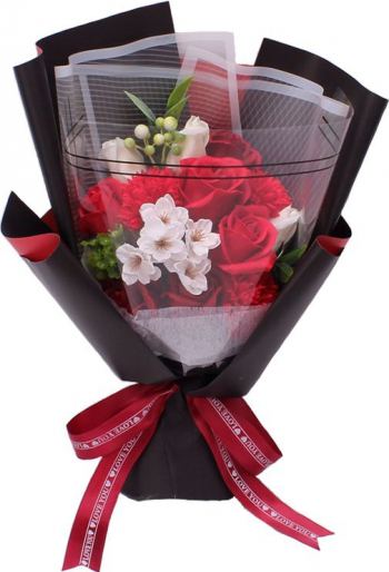 Buchet elegant din flori de sapun cu frunze decorative ambalat in cutie cadou culoare rosie