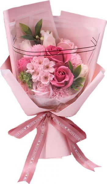 Buchet elegant din flori de sapun diverse sortimente cu frunze decorative ambalat in cutie cadou culoare roz