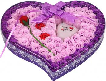 Trandafiri de sapun aranjament floral 89 buc + trandafir rosu intreg culoare mov si roz