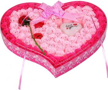 Trandafiri de sapun aranjament floral 89 buc + trandafir rosu intreg culoare roz