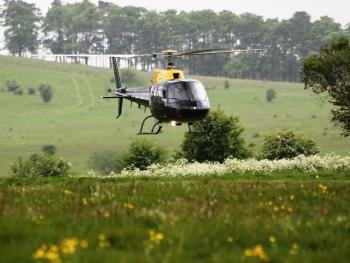 Survol de placere cu elicopterul si invitati in Bucuresti