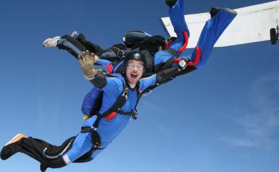 Skydiving - Salt cu parasuta in Bucuresti Experiente cadou