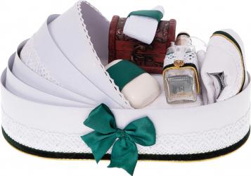 Trusou botez complet in landou cu decor elegant de culoare alb-verde 8 piese