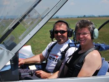 Lectie de zbor cu avionul in Bucuresti Experiente cadou