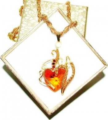 Pandantiv Elven Rose Design Heart of Fire handmade placat aur cristale Swarovski Pandantive si Talismane