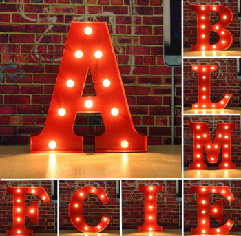 Metal Marquee Red Shell LED Scrisoare A la M Sign Carnavalul ponosit Becuri