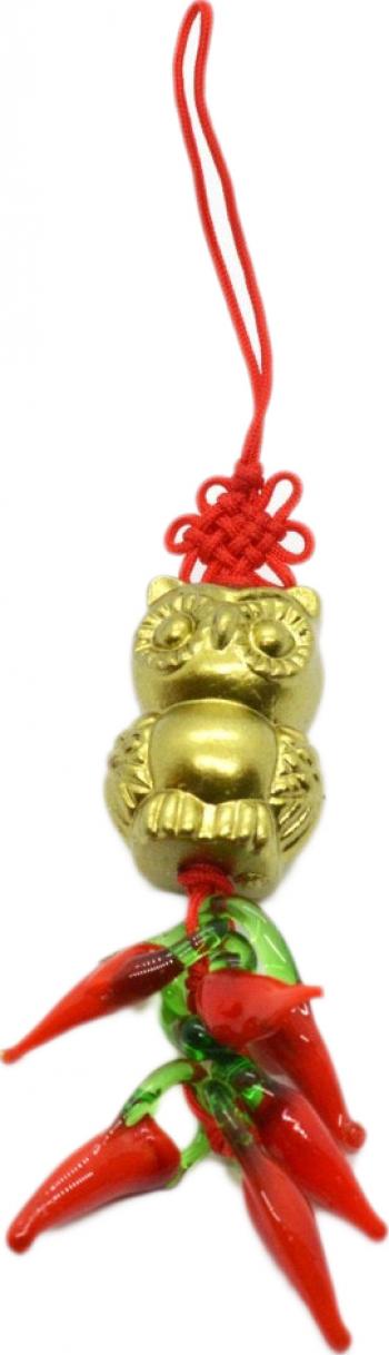 Amuleta cu bufnita si ardei rosii remediu Feng Shui din Rasina 15 mm lungime