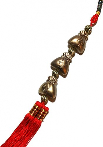 Amuleta cu trei sacii ai abundentei remediu Feng Shui din Rasina 340 mm lungime