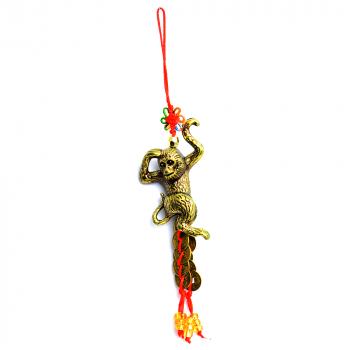 Amuleta de protectie cu maimuta si monede chinezesti remediu Feng Shui din Rasina 30 mm lungime