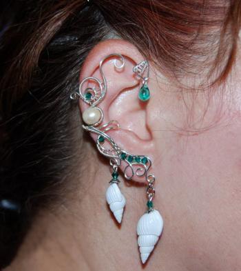 Cercel ear cuff Elven Rose Design Ocean Whispers handmade placat argint cristale Cercei