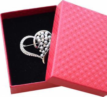 Brosa dama eleganta in forma de inima cu perle acrilice Silver heart