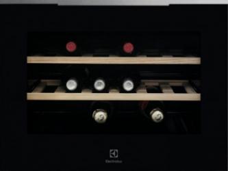 Racitor vinuri incorporabil Electrolux KBW5X 18 sticle 5 - 20 C Clasa A++ Negru Frigidere Combine Frigorifice