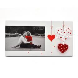Rama foto First Love din lemn cu inimioare