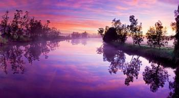 Tablou Canvas Purple River Reflection 95 x 65 cm Tablouri